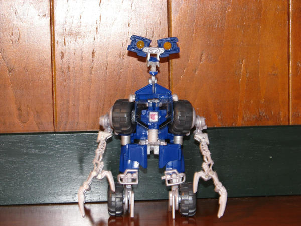 Wheelie robot form by quickblast