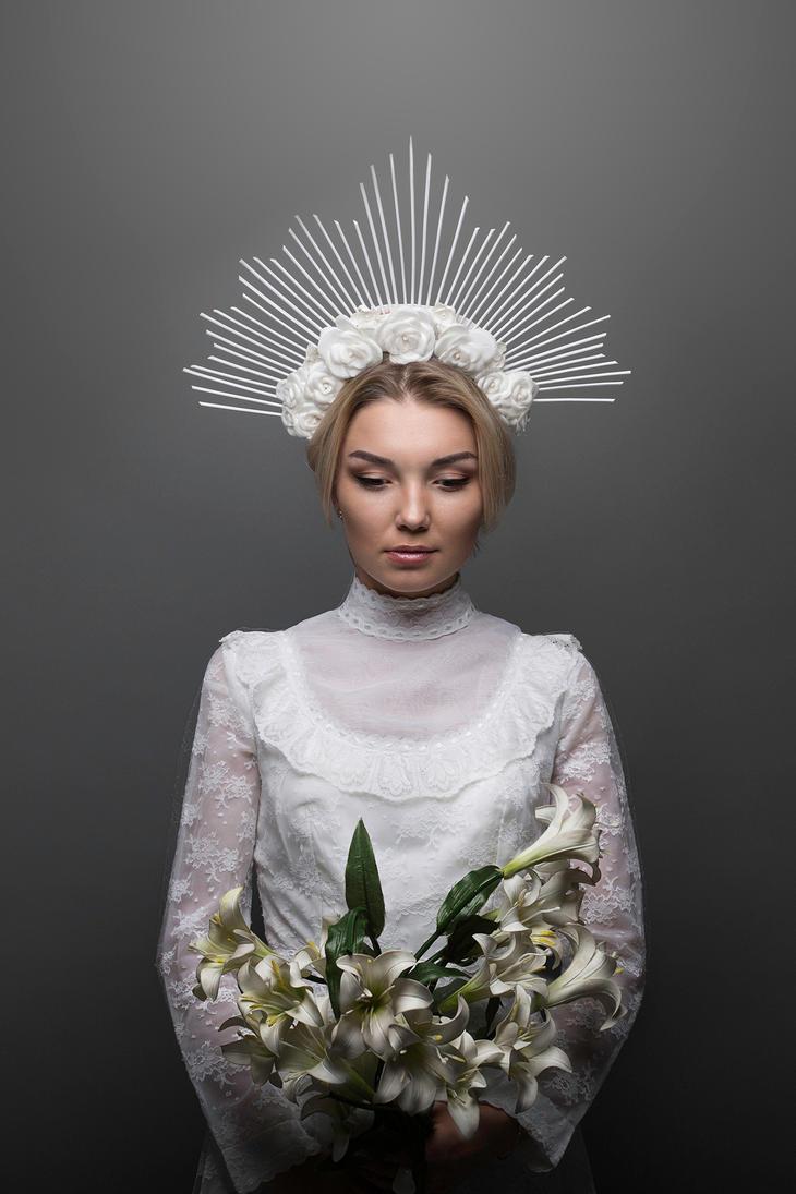 White flower halo by TaliaKart