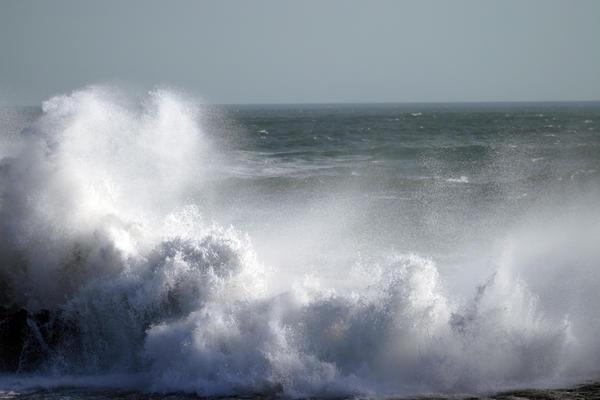 wave1 by NikiljuiceStock