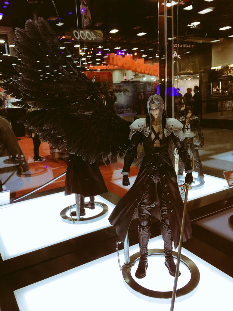 Sephiroth action figure!!! by biktoriatori