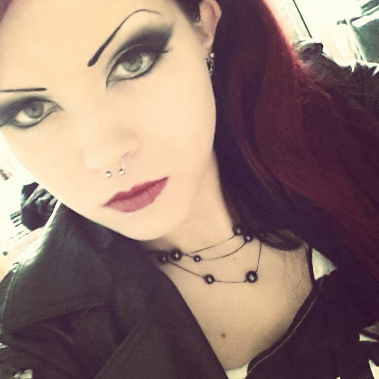 Jeanne-Obscurite's Profile Picture