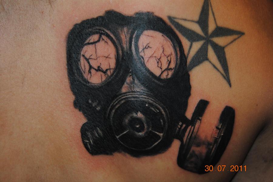 gas mask by brandonm111