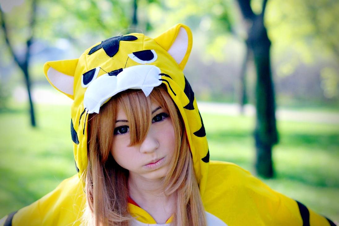 aisaka tiger: tiger suit by LisaVasya