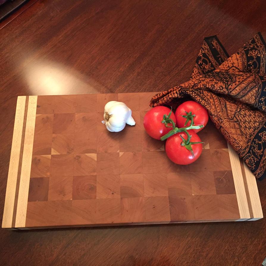 Large serving/cutting board by Woodnutiam