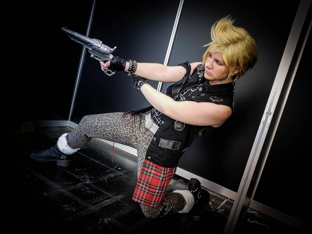 Oh, hi there opening! - Prompto Cosplay by JuubeiChan