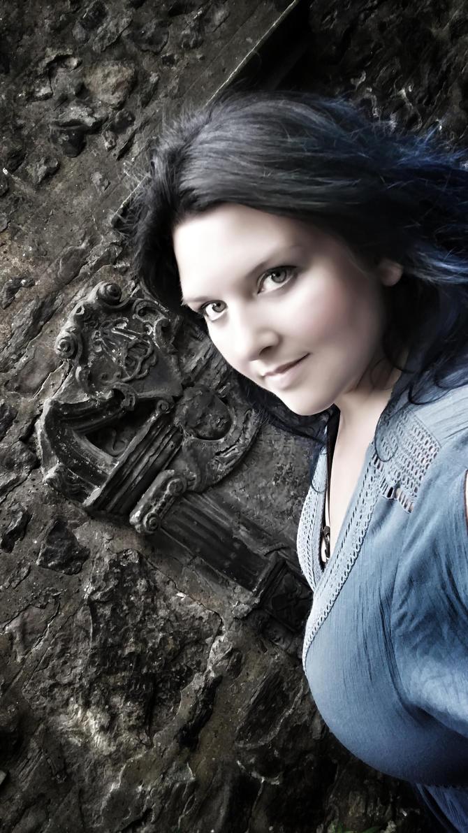 grave by FaerieFaith