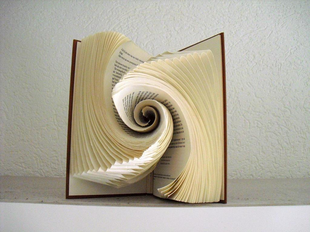 Book vortex by schaduwlichtje