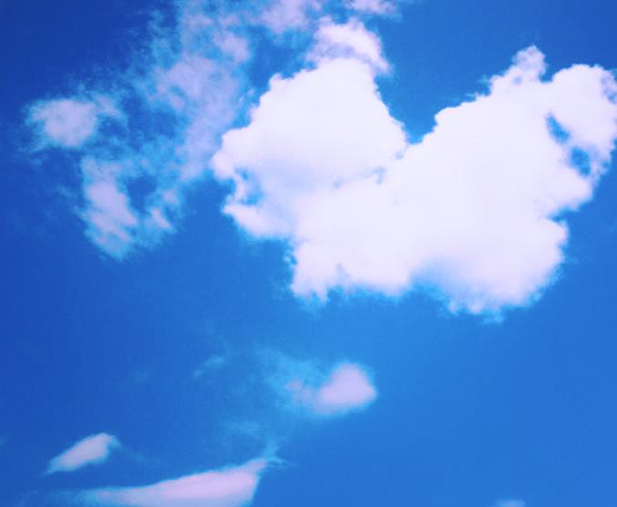 Blue sky by Diyvaa