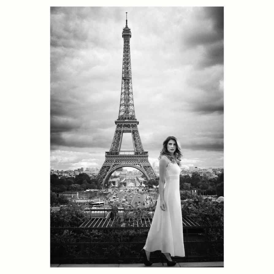 Tour Eiffel by Lucie-Lilly