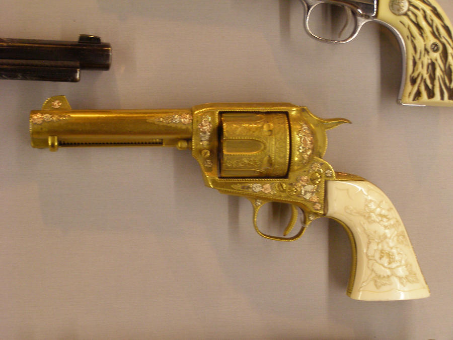 The gallery for --> Real Golden Shotgun  Real Golden Guns