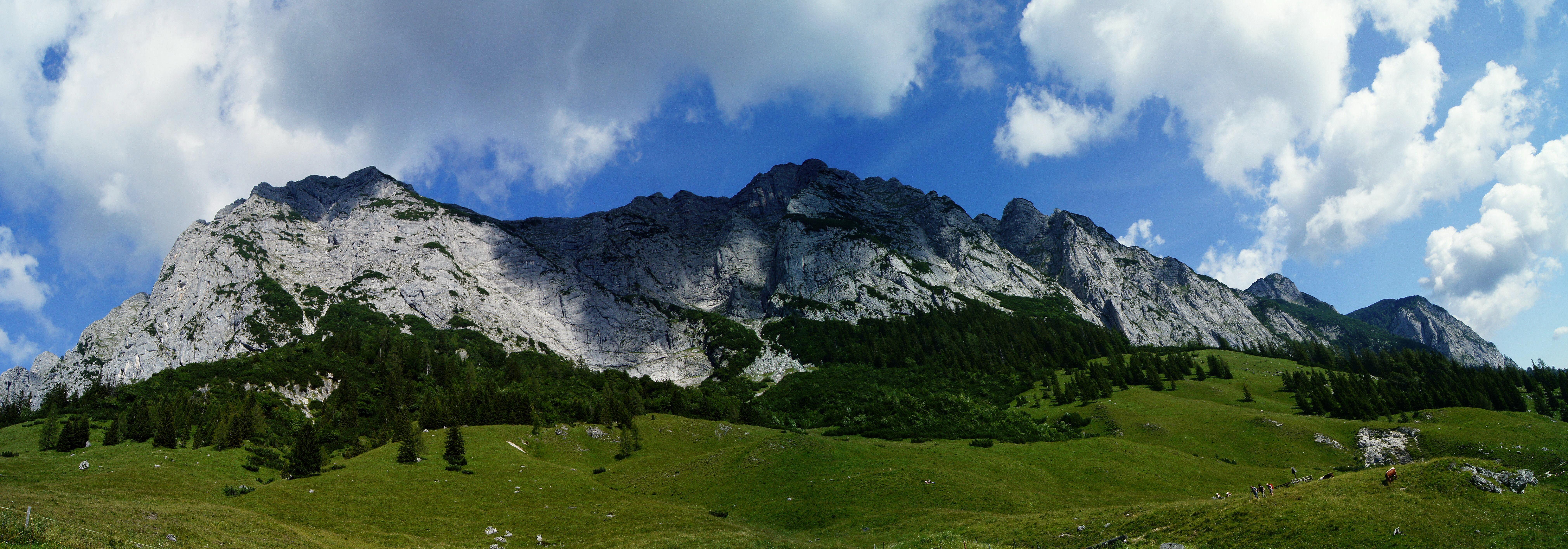 mountain panorama. by DoWhoRanZone