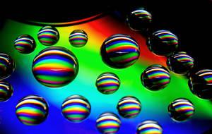 rainbow drops by DoWhoRanZone