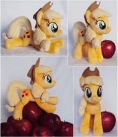 Applejack Beanie by ButtercupBabyPPG