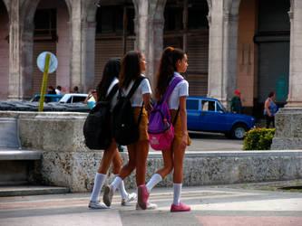 schoolgirls in Old Havana by madlynx