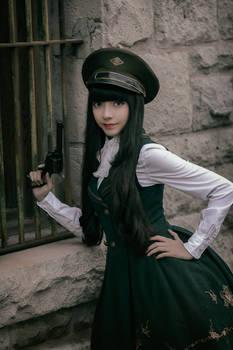 Lolita goes Military