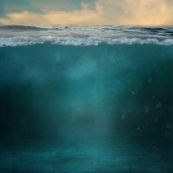 Underwater Split Background