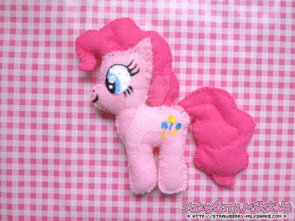 Plushies: *Pinkie Pie*