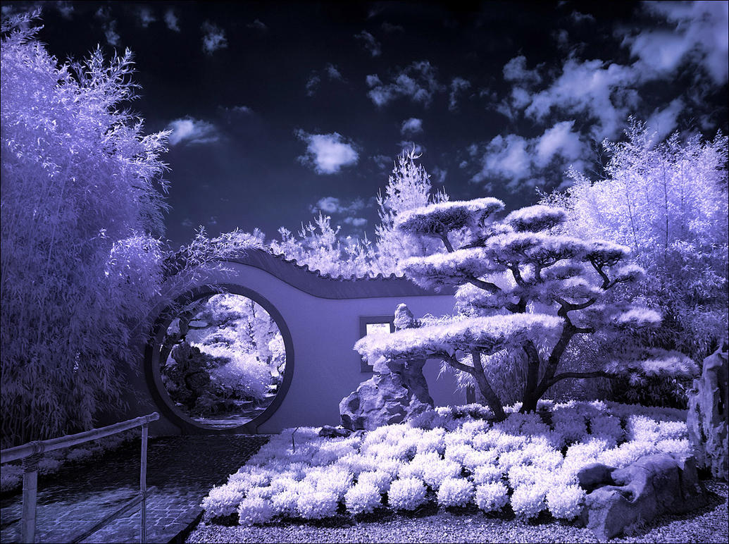 Moon Gate infrared... by MichiLauke