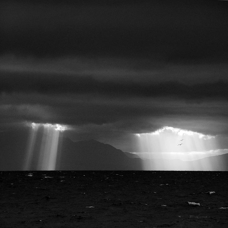 Sun Rays by MichiLauke