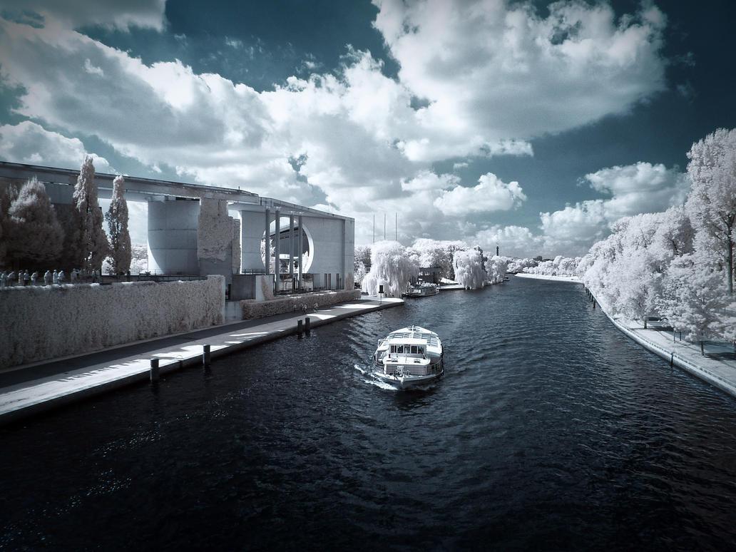 Berlin, Berlin, wir fahren nach Berlin infrared by MichiLauke