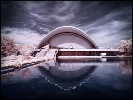 Berlin: Haus der Kulturen der Welt - Infrared