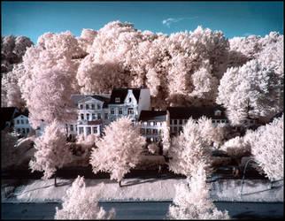 Neumuehlen Hamburg infrared by MichiLauke