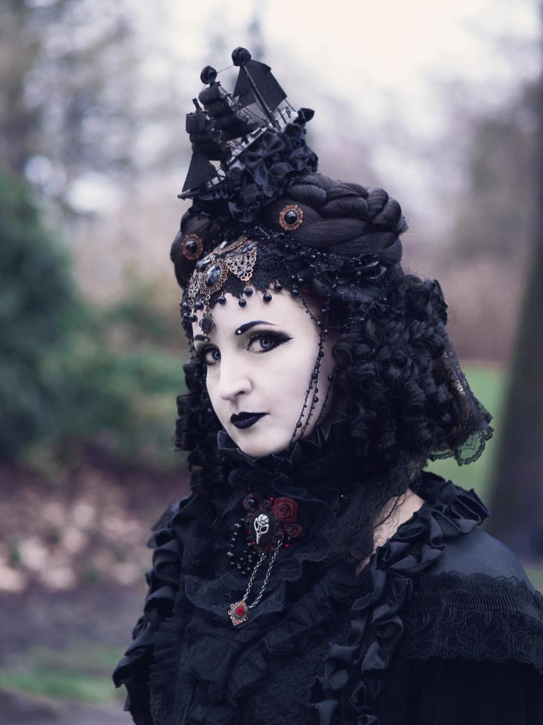 Gothic Lady by gonzik666