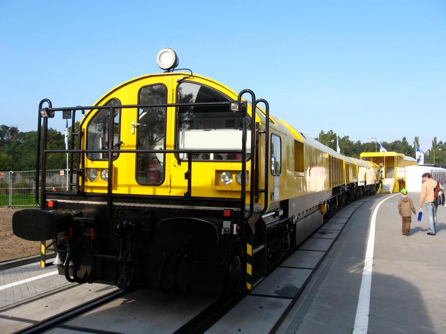 Innotrans 2008 Rail Grinder By Zcochrane On Deviantart