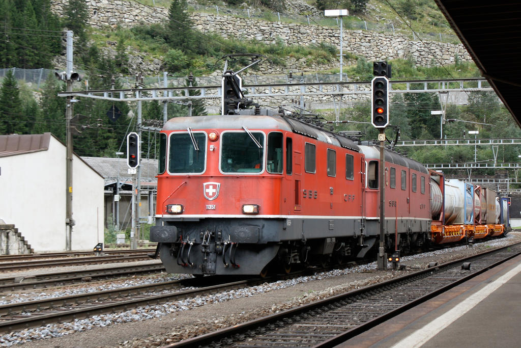Re 10/10 in Goeschenen by ZCochrane