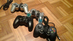 Game controllers by Growlie26