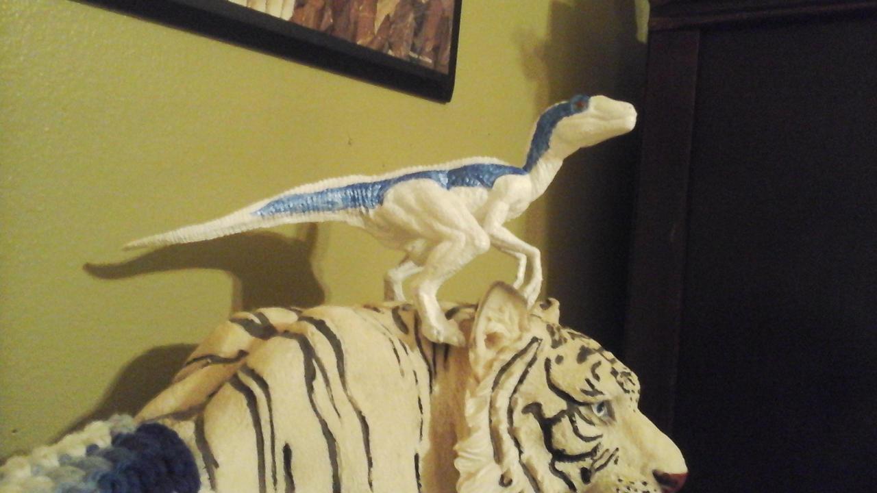 Hound Raptor by Growlie26