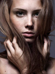 Eleonore W by bowi