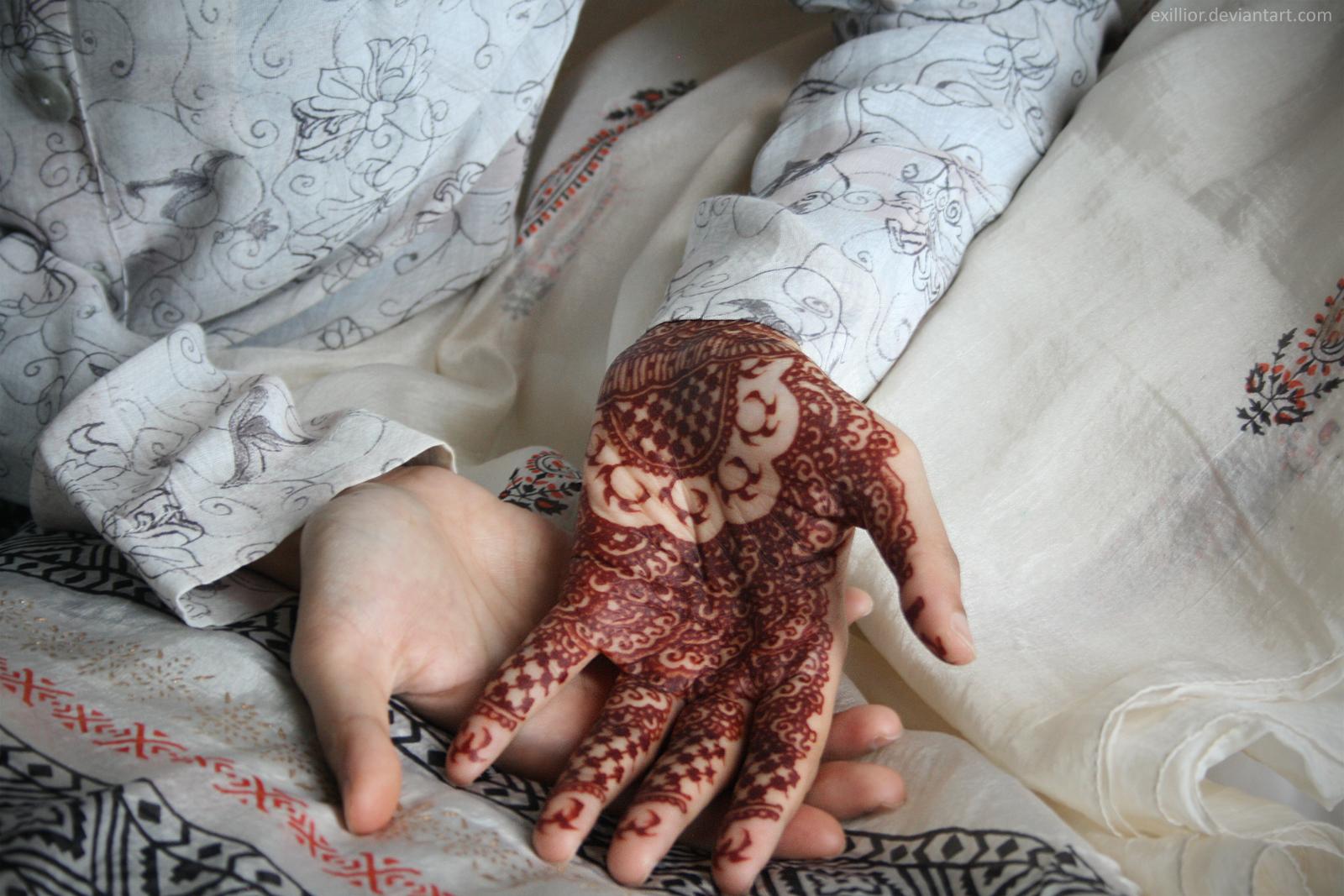 Henna 19 by Exillior