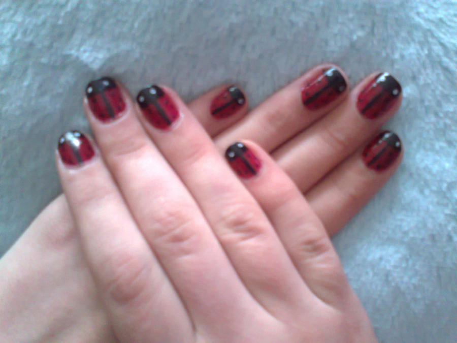 Ladybug Nail Design by AnyRainbow