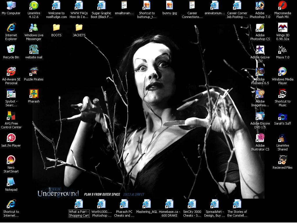 Desktop by moonie