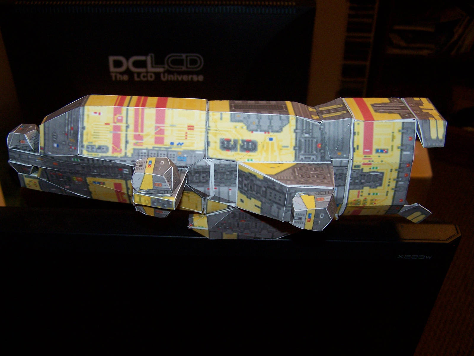 Taiidani Heavy Cruiser - side by Jarndahusky