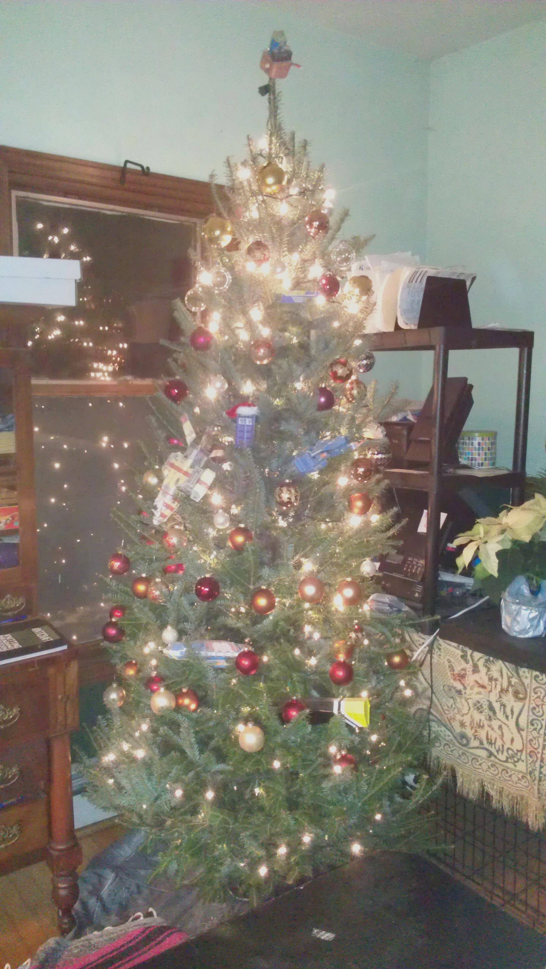Christmas Tree by Jarndahusky