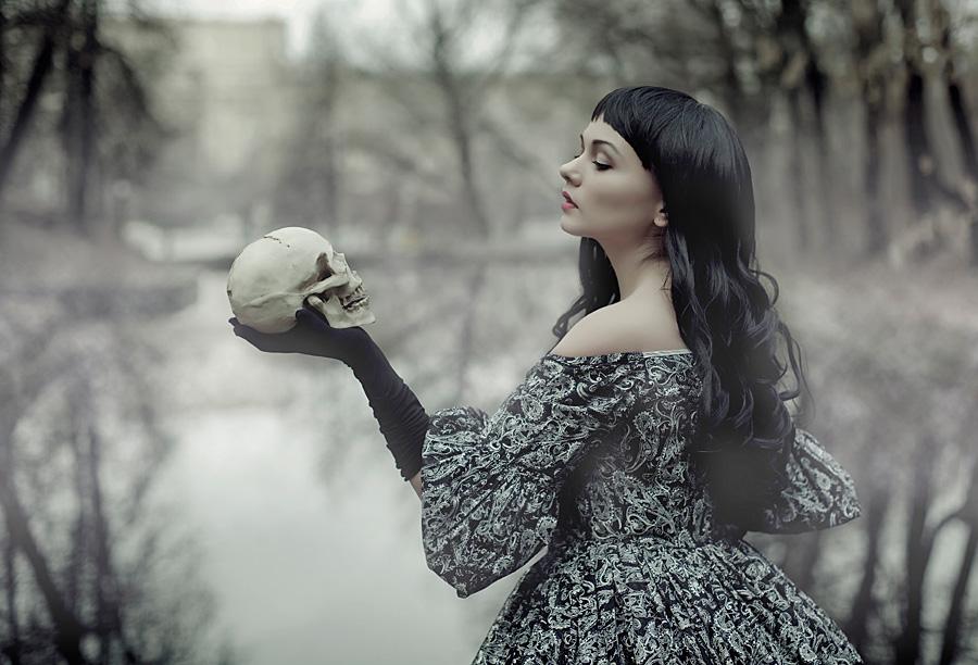 Sleepy Hollow - wise woman by Raskolnikova-Sonya