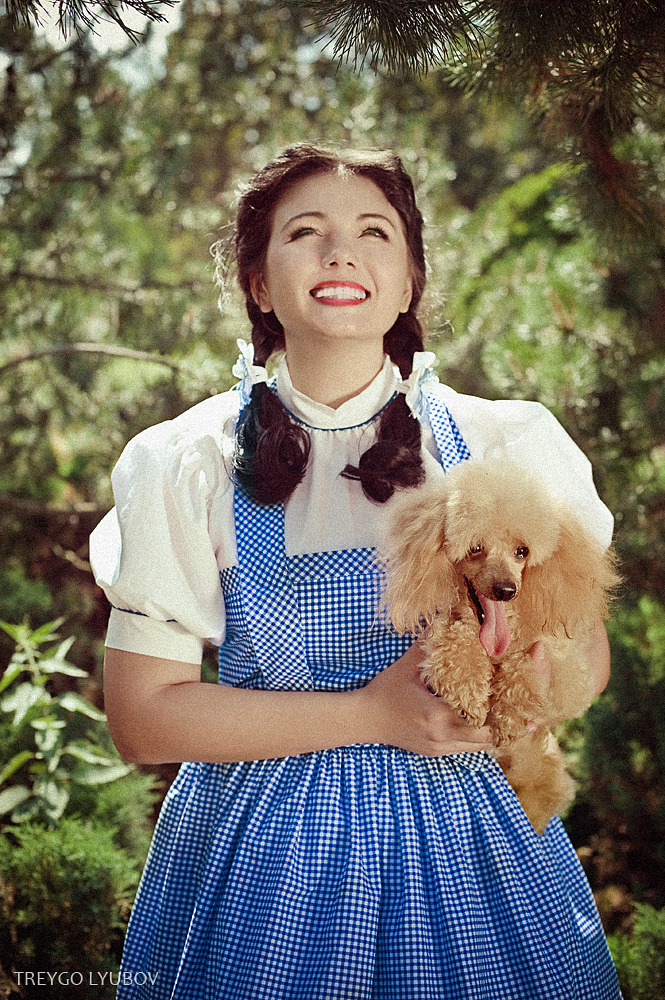 Dorothy gale wizard of oz short hairstyle 2013 for Dorothy gale