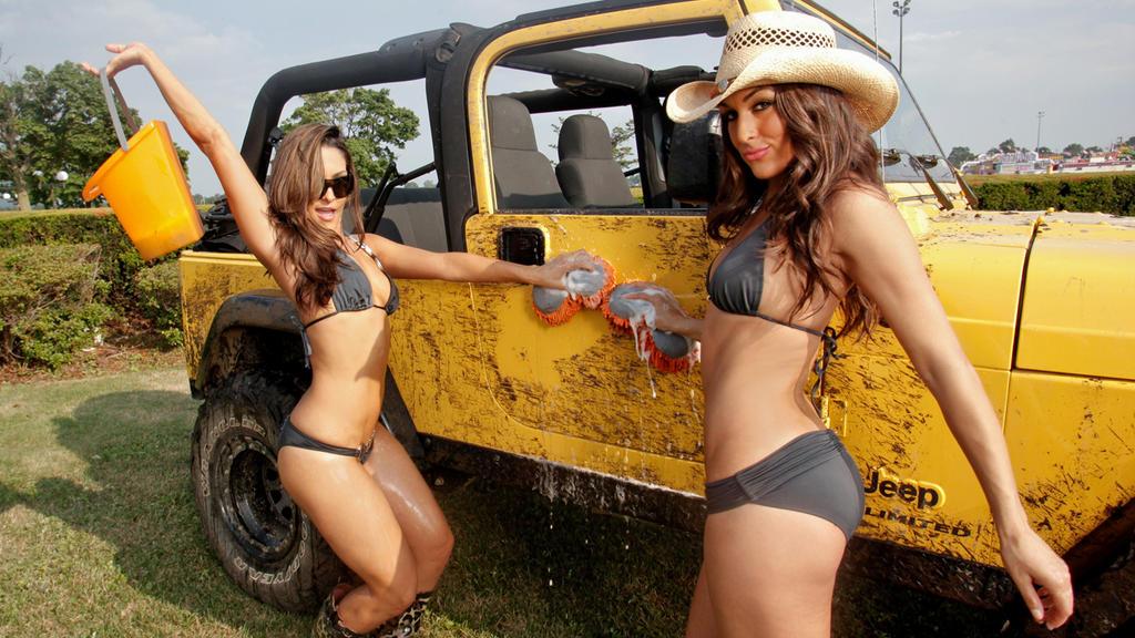 Wwe Divas Car Wash