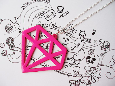 Scene_diamond_necklace_by_Dommie03.jpg