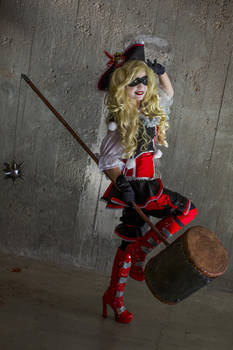 Give me some sugar, baby! - Pirate Harley cosplay