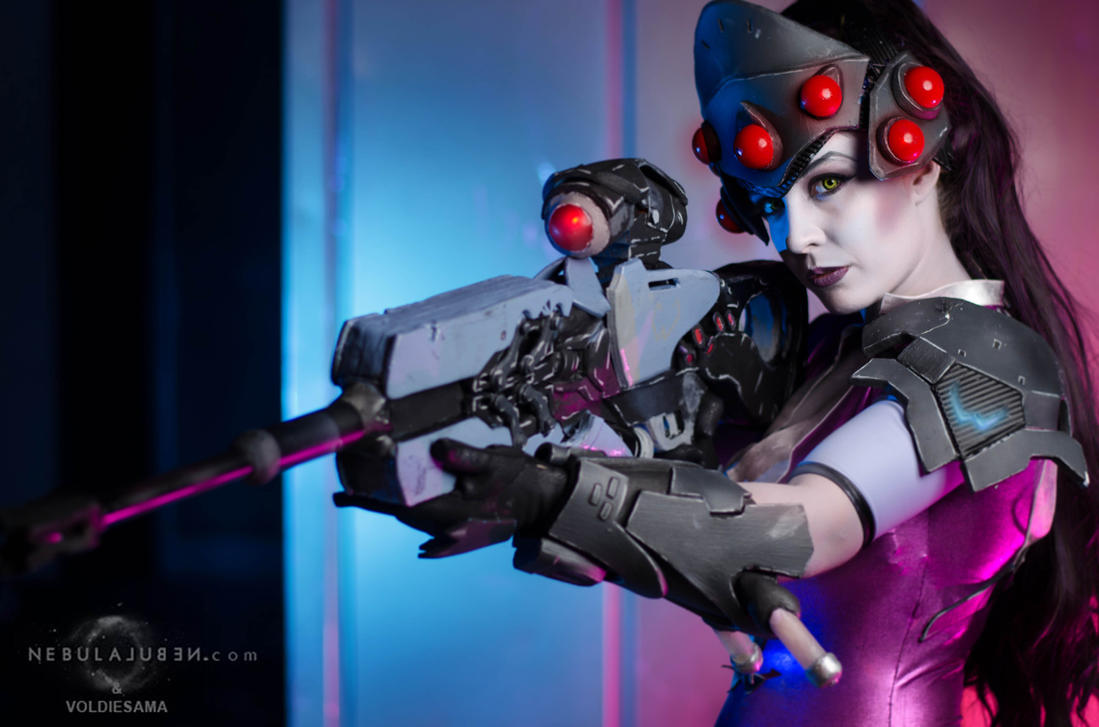 Step into my parlor - Widowmaker cosplay by Voldiesama