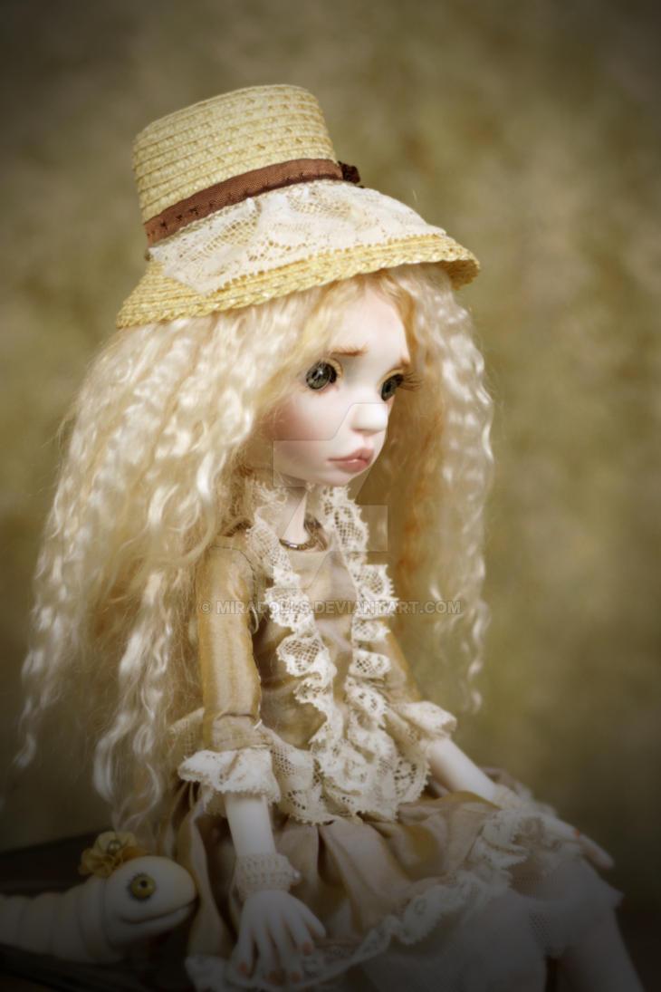 Runa Portrait with worm by miradolls