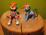 Rainbow Dash figure