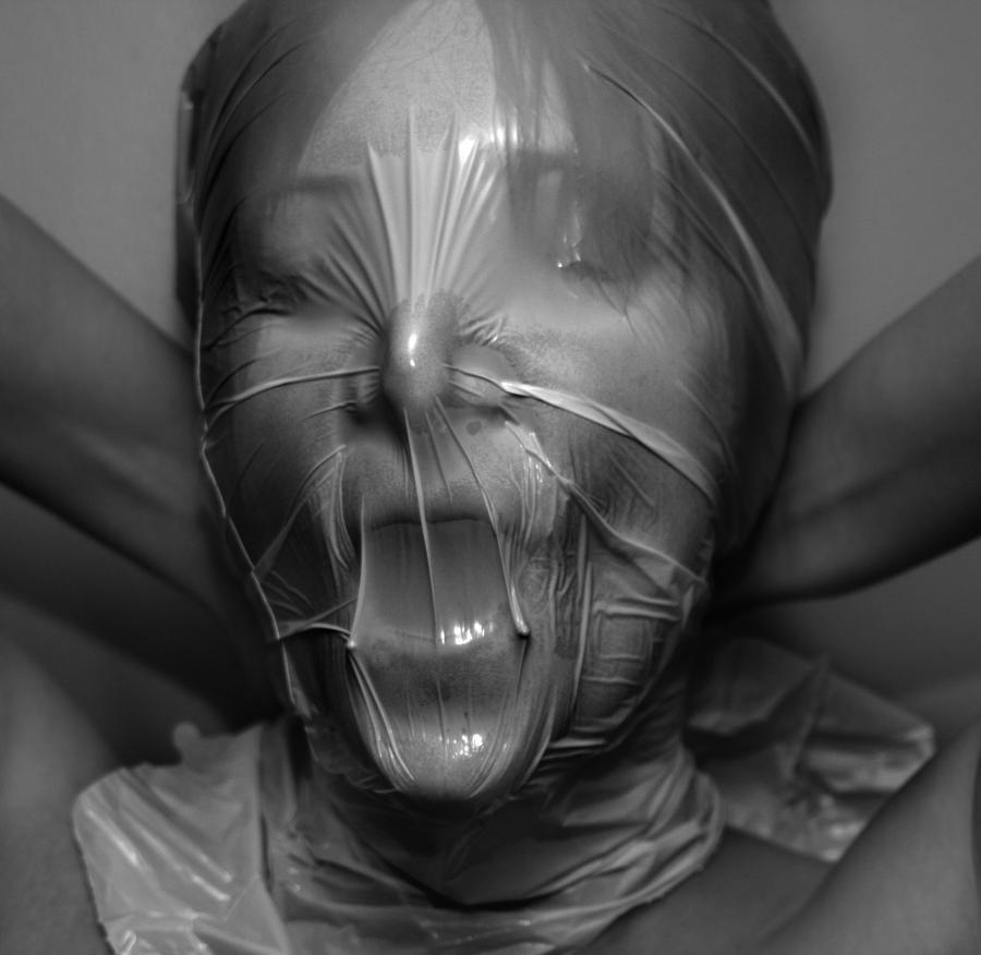 Разговорчивая блондинка пластиковый пакет на голову бдсм видео