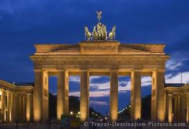 Brandenburg Gate by tigergirl1945