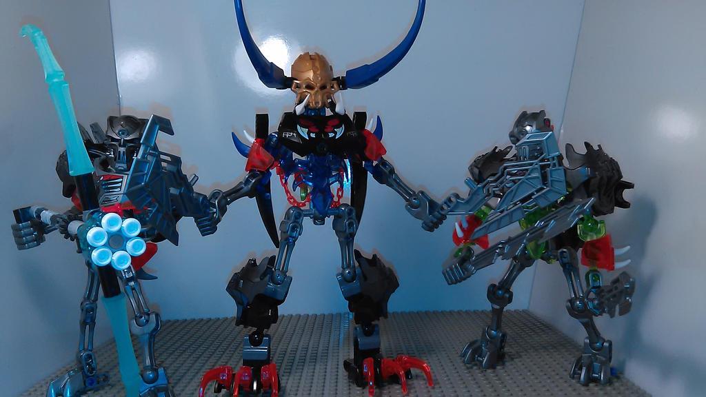 Skull Train Bros Transformer (robot modes) by sideshowOfMadness