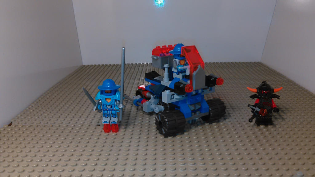 Wall Buster: NEXO KNIGHTS MOC by sideshowOfMadness