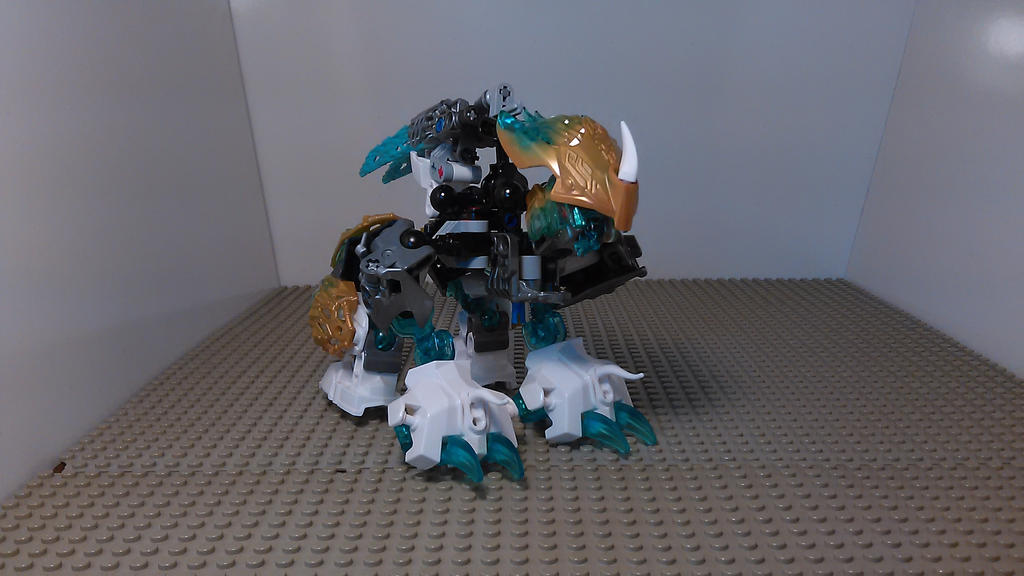 Kopaka Combiner of Ice (Polar Bear Mode) by sideshowOfMadness